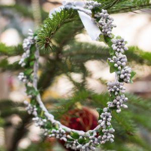 coronita flori de craciun argintiu