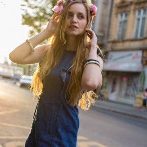flower-crowns-spring-fashion-2016-trend-683x1024
