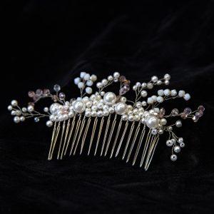 7.BRIZO_Pieptene_par_perle albe si cristale diverse